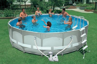 piscina fuori terra ovale